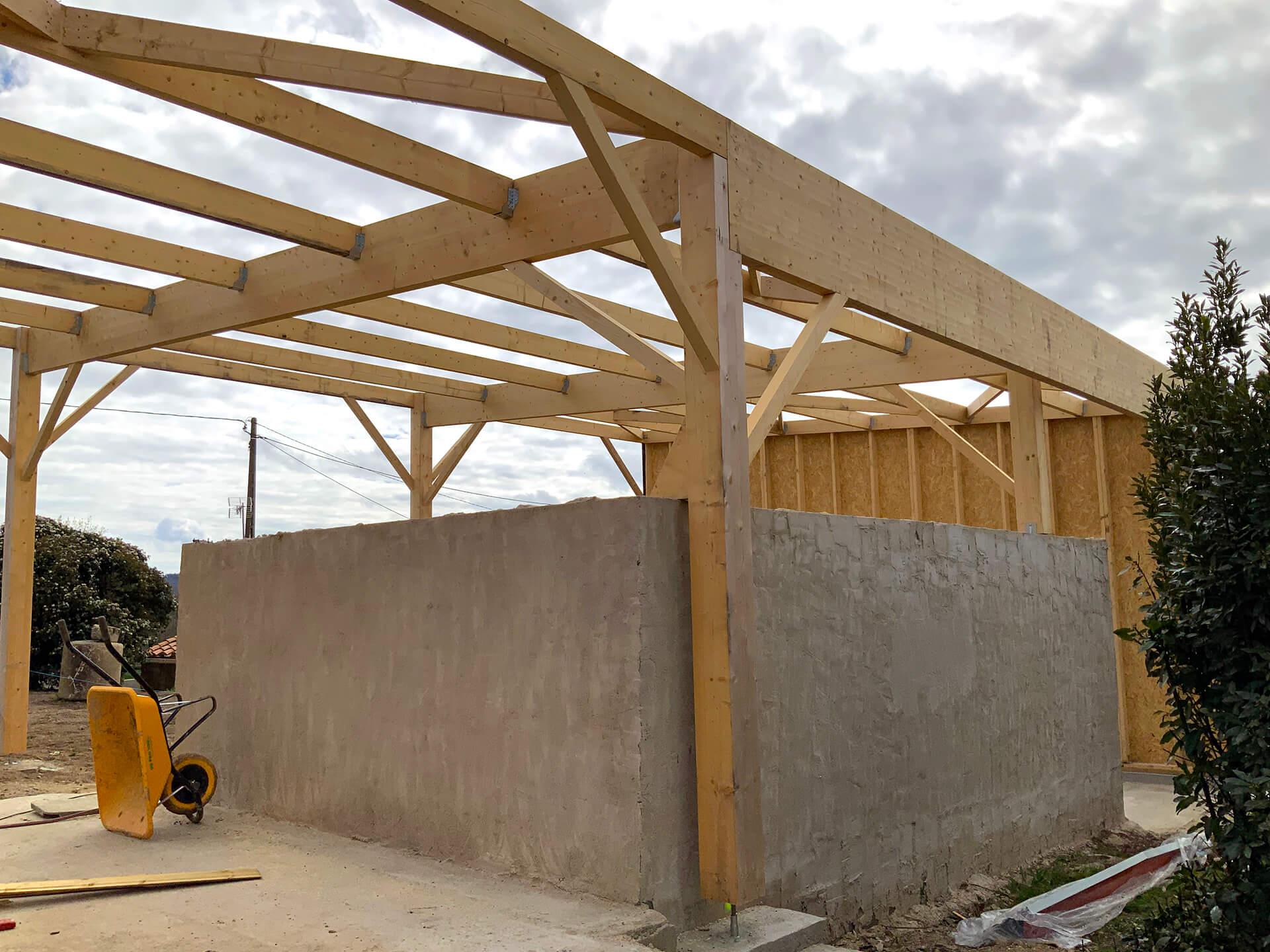 Construction extérieure à la maison en ossature bois aux Herbiers